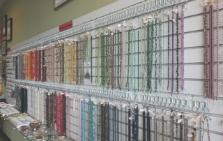 Wall of beads at the twisted bead