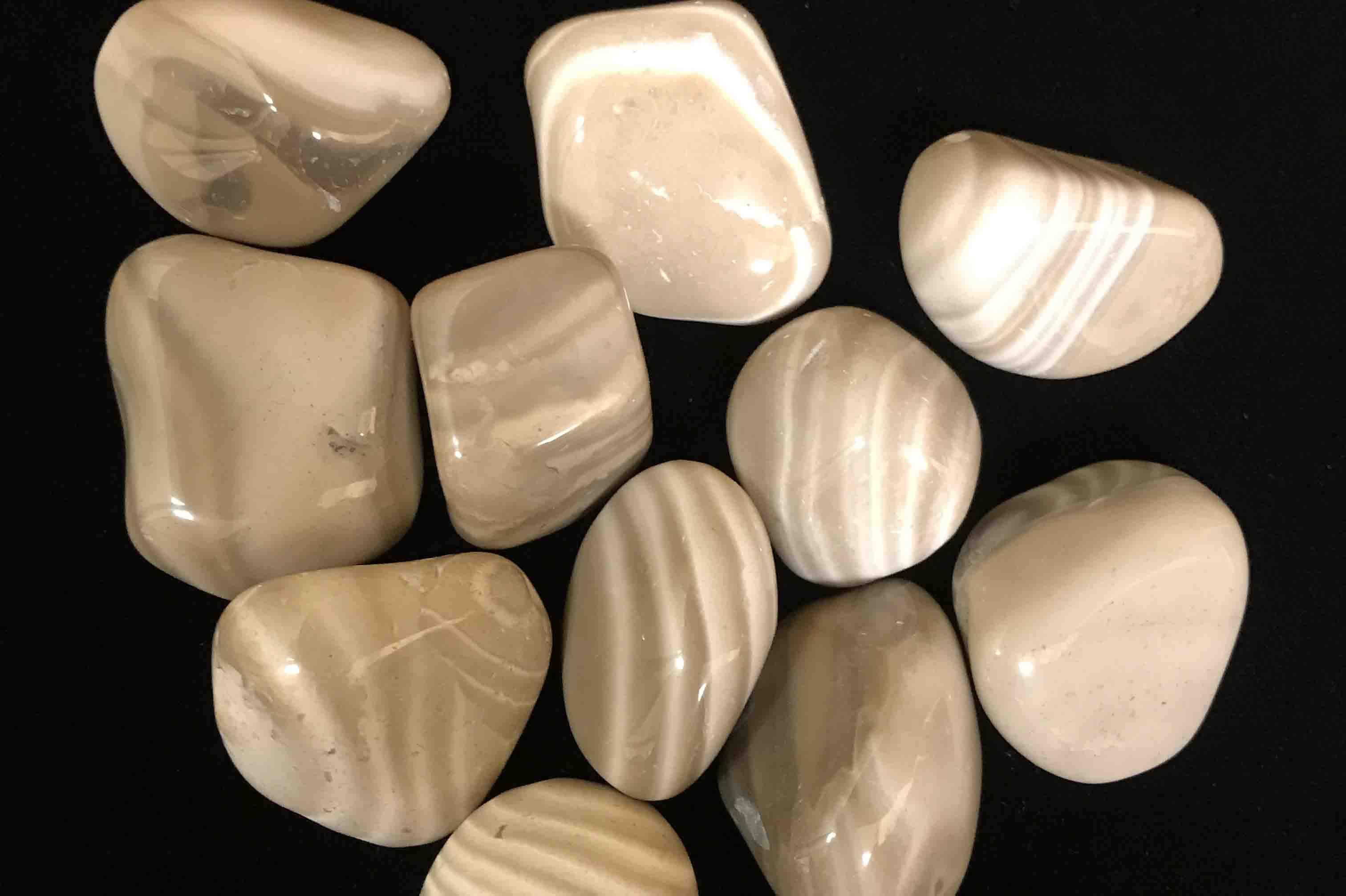 Large Flint Tumbled Stones